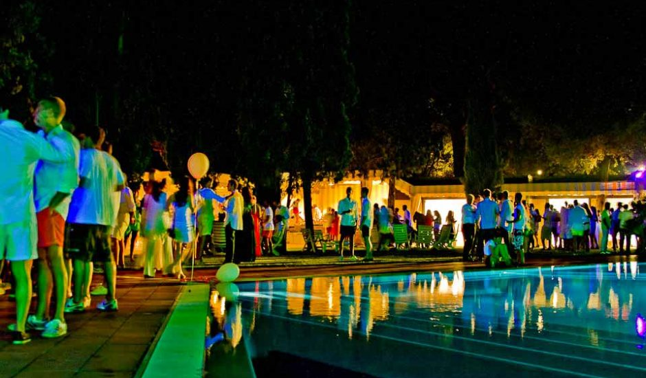 pool_party1